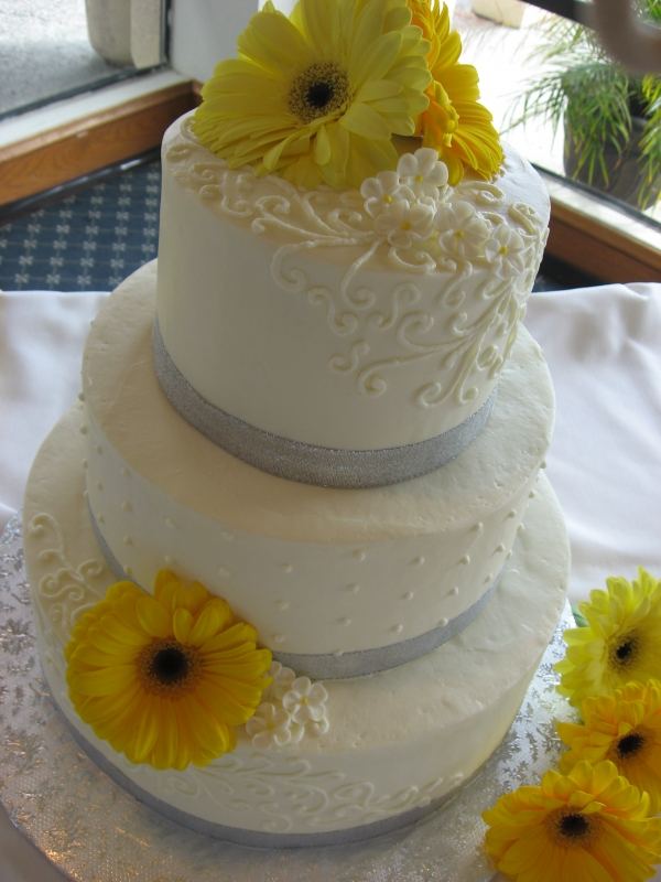 Yellow And Silver Wedding Cake